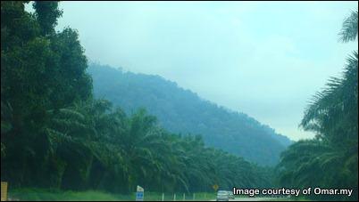 35 kilometer lagi ke bandar Segamat.  (Route Exit: Tangkak)